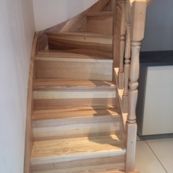 ESCALIERS DE FRANCE - Bernay - Escalier poteaux tournés